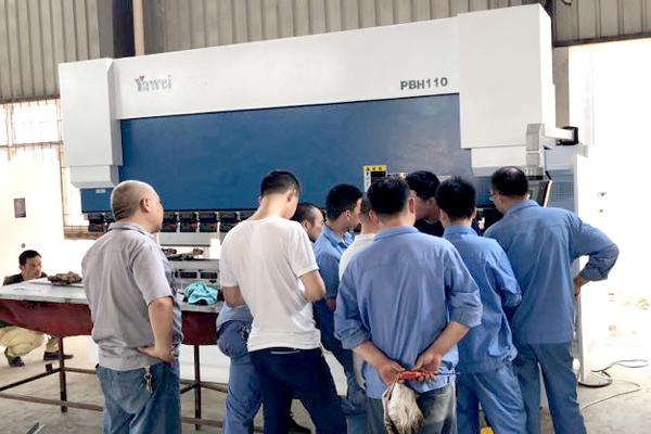 再度合作!安徽客户来江苏喷塑设备厂家参观考察访问!